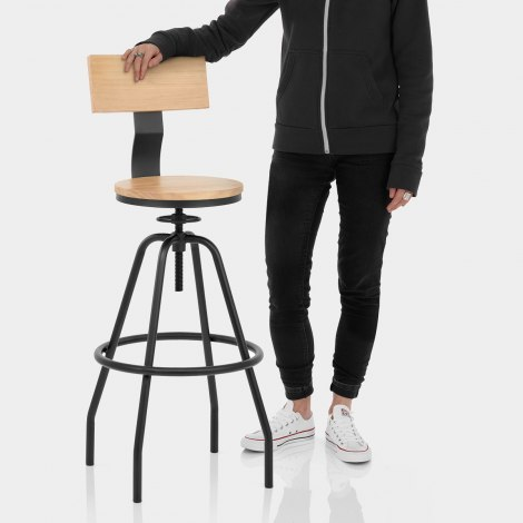 Creed Industrial Bar Stool Features Image
