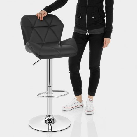 Diamond Bar Stool Black Features Image