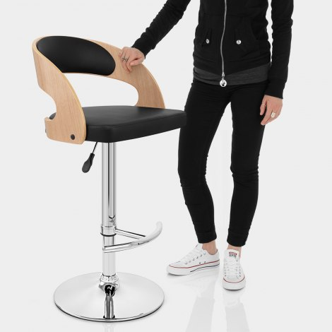 Eve Oak Bar Stool Black Features Image