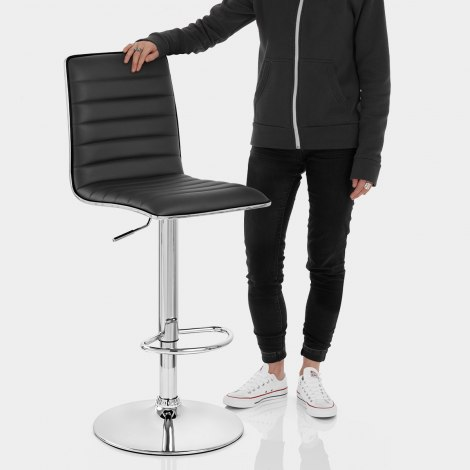 Hiline Bar Stool Black Features Image