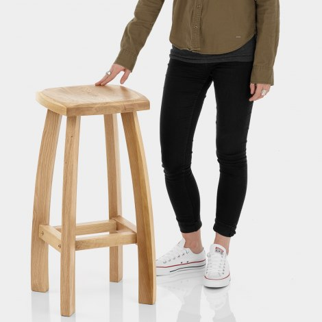 Oslo Oak Bar Stool Features Image