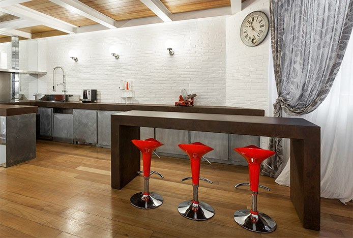 Bright Red Stools in Large Kitchen