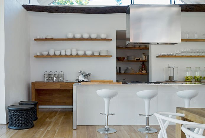 Harmonious Kitchen Symmetry