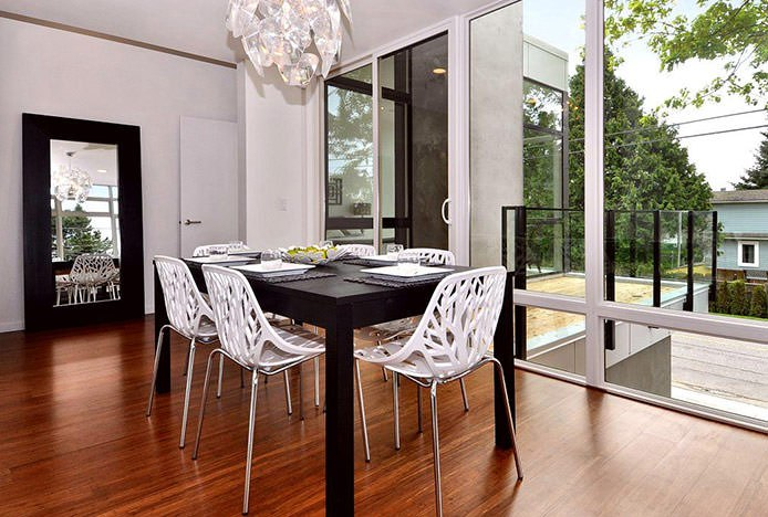 Sherwood White Chairs with Black Table