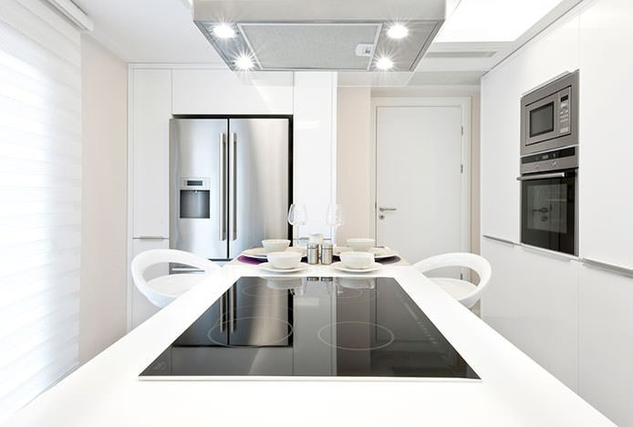 Sleek And Simple Kitchen