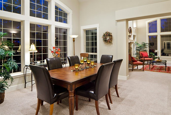 Traditional Wooden Dining Table Leather Chairs