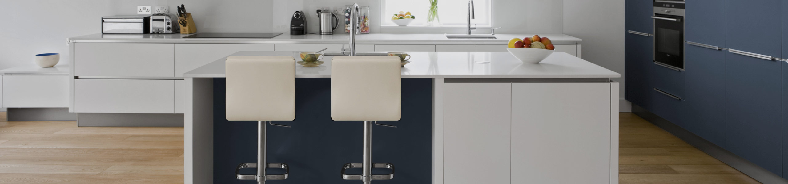 Lush Chrome Stool Cream Video Banner