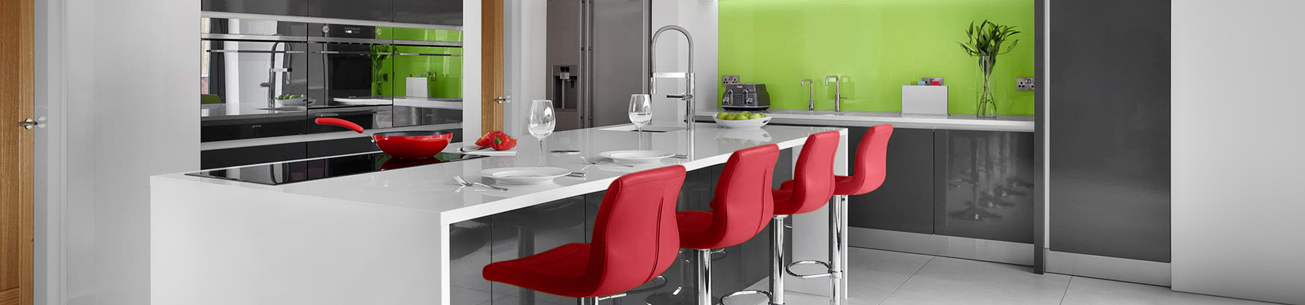 Paradis Bar Stool Red Video Banner